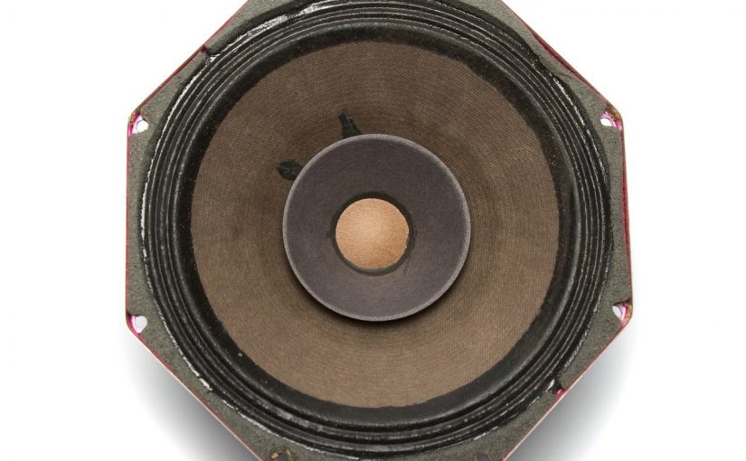 Jak ustawić głośniki? Poznaj proste zasady!